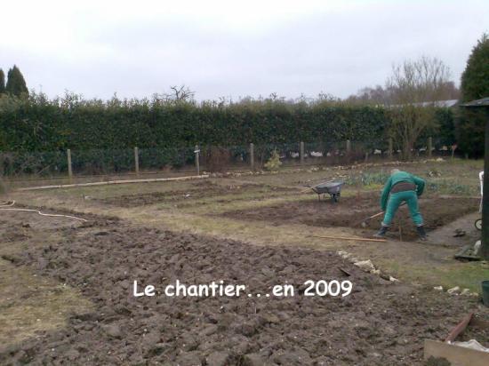 C'etait en 2009 le jardin en chantier...