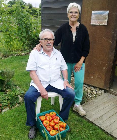 Marcel et Nénette après la ceuillette des tomates 2013